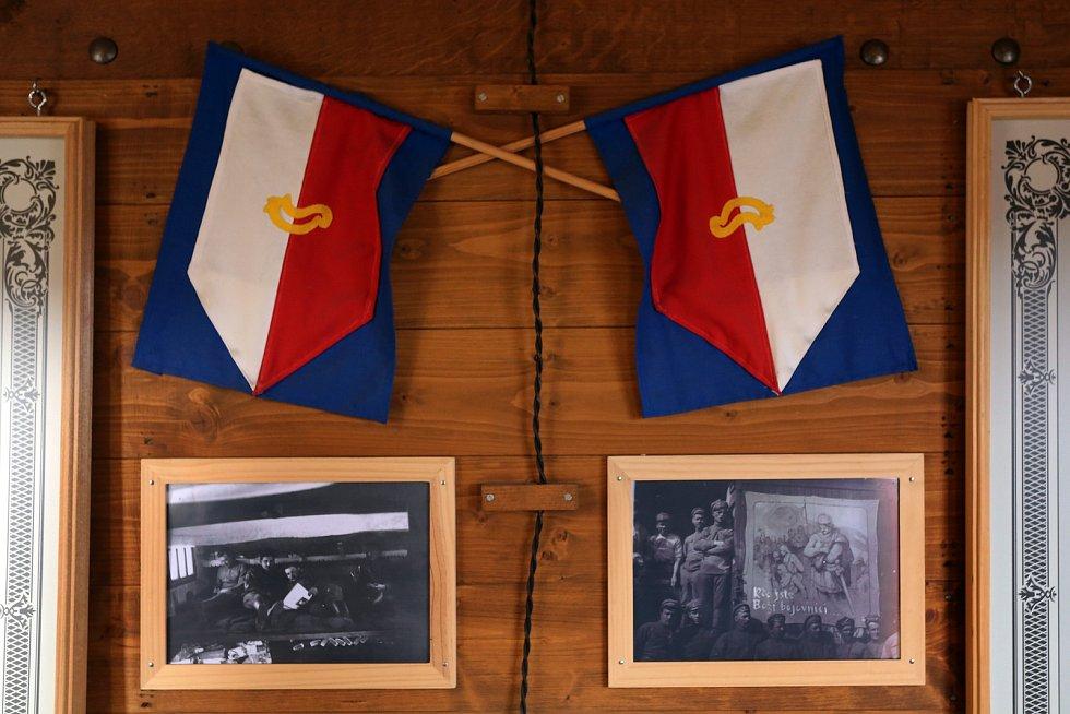 Legiovlak na nádraží v Radnicích na Rokycansku. Školám i ostatním zájemcům nabízí průvodci komentované prohlídky a nahlédnutí do vojenského života československých legionářů nejen v Rusku ale i na dalších bojištích.