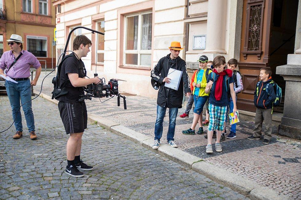 Pavel Bartovský při natáčení jednoho ze školních cvičení.