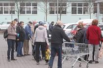 Nakupování v čase pro seniory v Plzni na Doubravce.