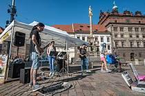 V ulicích Plzně probíhá Busking Fest. Pouliční umělce z celého světa budou moci Plzeňané vidět i slyšet až do neděle.