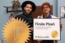 I letošní Finále budou moderovat Petr Vančura (vlevo) a Jan Cina.
