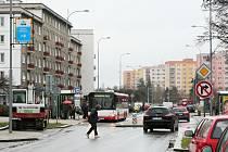 Francouzská ulice na Slovanech se po 2 měsících oprav znovu otevřela dopravě