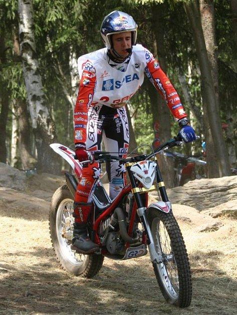 Španěl Adam Raga nenašel při včerejším klání mistrovství světa v trialu v Kramolíně přemožitele