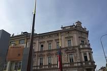 Vlajka zmizela minulý týden z noci na čtvrtek.