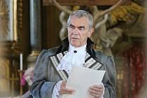 Historií i kostelem návštěvníky provedl spálenopoříčský kronikář Miroslav Tupý.