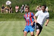 Dvěma góly přispěl k výhře Jiskry  zkušený Pavel Fořt (vpravo vpravo), který nastoupil v prvním půli s kapitánkou páskou.