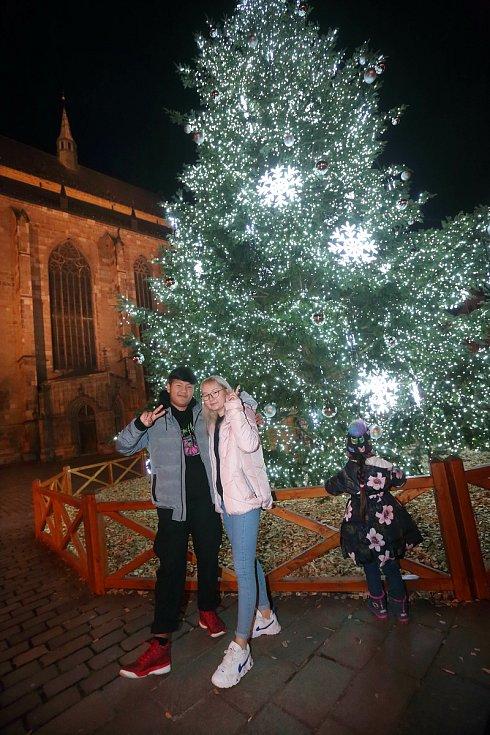 Plzeň - Oslavy silvestra - Náměstí Republiky okolo 21 hodiny