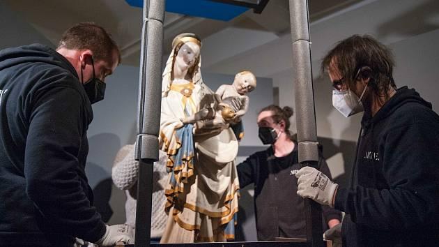 Madona se přestěhovala, na konci května se k ní lidé budou modlit v galerii