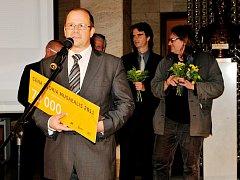 Ředitel Západočeské galerie  Roman Musil převzal v Národním muzeu v Praze cenu za první místo v soutěži Gloria musaealis