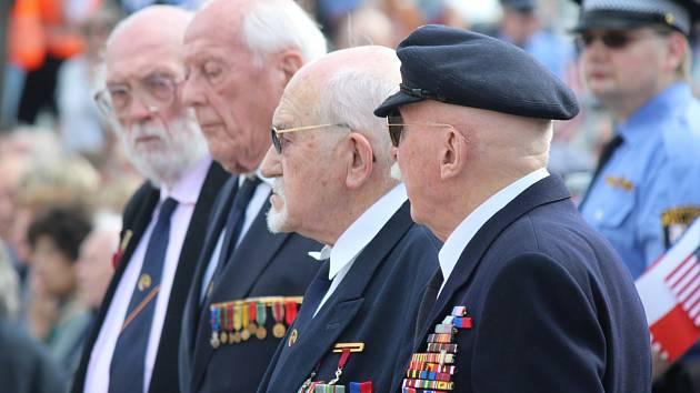 Slavnosti svobody 2017 pokračují. Sobotní pietní akt u pomníku generála Pattona sledovaly stovky lidí.