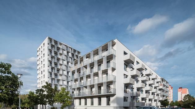 Mezi oceněnými projekty při vyhlášení České ceny architektury 2020 byl i bytový dům v Plzni na Sylvánu, získal Cenu společnosti Vekra za dostupné bydlení s nadčasovou perspektivou.