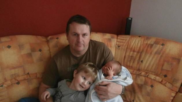 Michal (3,70 kg, 49 cm) se narodil se 27. listopadu ve 2:41 ve Fakultní nemocnici v Plzni. Z jeho příchodu na svět se radují maminka Květa a tatínek Libor Vydrovi z Plzně a také bratříček Matýsek