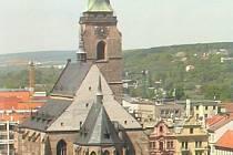 Katedrála sv. Bartoloměje - pohled z Business Centre Bohemia