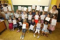 Předávání vysvědčení na 25. ZŠ v Plzni