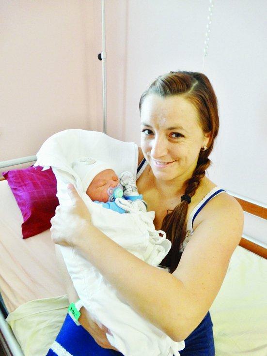 Adam Harant se narodil 21. října ve 2:03 mamince Evě a tatínkovi Lubošovi z Radčic. Po příchodu na svět v plzeňské FN vážil bráška čtyřleté Anetky 3690 gramů a měřil 51 cm.