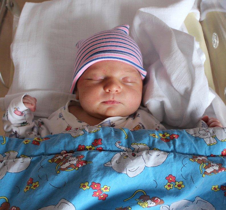 Štěpán Bartůšek se narodil 24. ledna v 16:25 rodičům Renátě a Radkovi z Mariánských Lázní. Po příchodu na svět v plzeňské FN na Lochotíně vážil jejich prvorozený synek 4060 gramů a měřil 48 centimetrů.