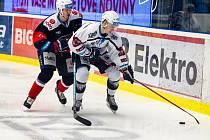 Hokejisté Škody Plzeň tahali s chomutovskými Piráty v pátečním domácím duelu 44. kola extraligy za kratší konec provazu.