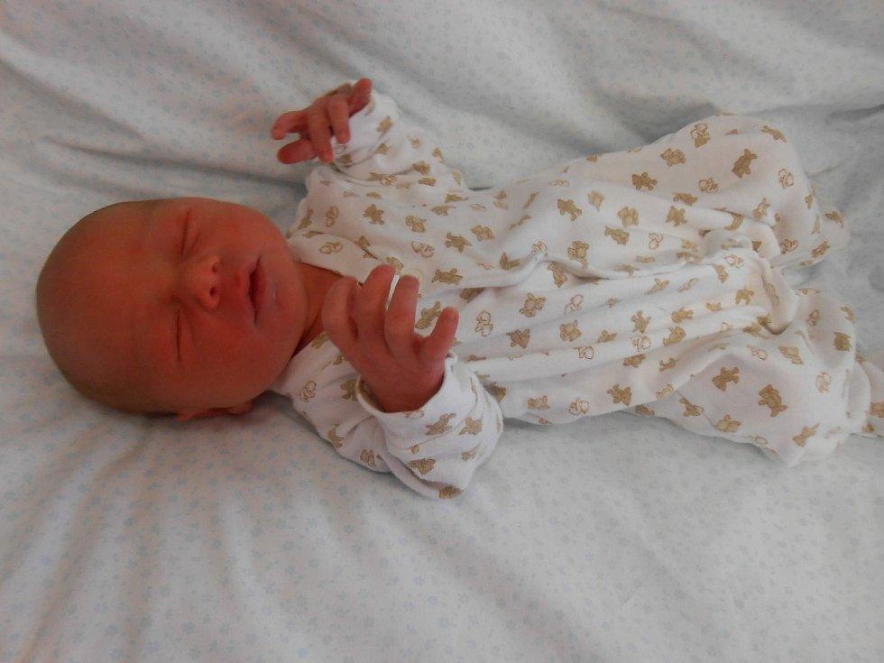 Jiří J. se narodil 10. března 2021 v domažlické porodnici. Po příchodu na svět vážil 3210 gramů a měřil 48 centimetrů.