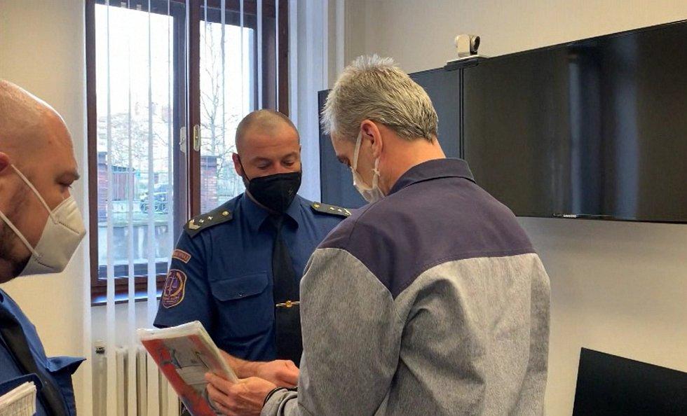 Obžalovaný Jaromír Šmídek u Krajského soudu v Plzni.