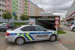 Anonym nahlásil v Plzni bombu, policie vyklidila obchodní centrum na Slovanech