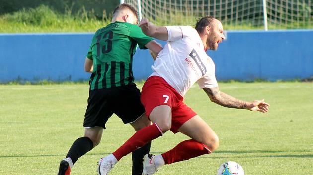 4. kolo divize A: SK Klatovy 1898 - FC Rokycany 2:0 (0:0).