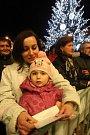Zpívání koled na náměstí Republiky v Plzni