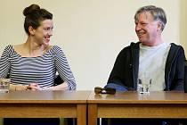 Tisková konference Divadelního léta pod plzeňským nebem s herci Michalem Dlouhým a Andreou Mohylovou na plzeňském magistrátu.