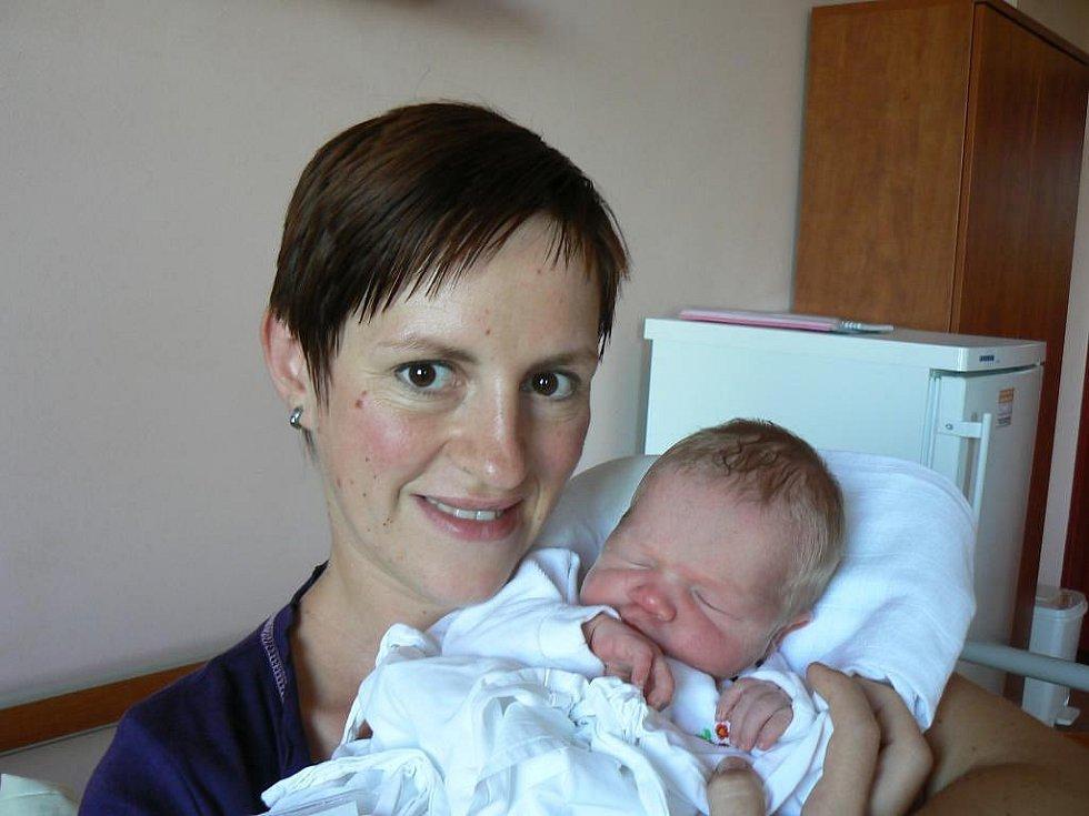 Lenka a Miroslav Zedníkovi zLíní přivítali na svět svého prvorozeného syna 11. září ve 22:30 hod. Vítek (3,54 kg, 51 cm) se narodil ve Fakultní nemocnici vPlzni