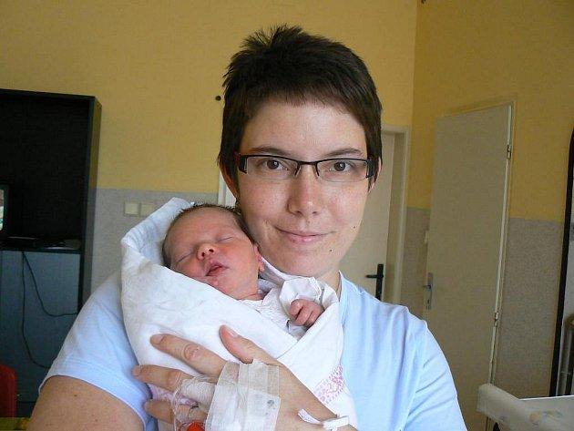 Viktorka Bartošková (3 kg, 50 cm) zPlzně je prvorozená dcera maminky Martiny a tatínka Lukáše. Holčička se narodila 9. září ve 21:20 hod. vMulačově nemocnici