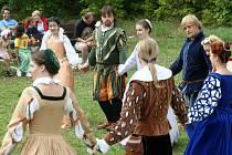 Křimičtí se bavili při Zámeckých slavnostech