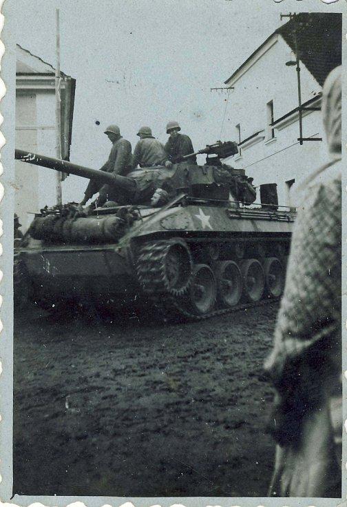 Američané 5. května v Lišicích.