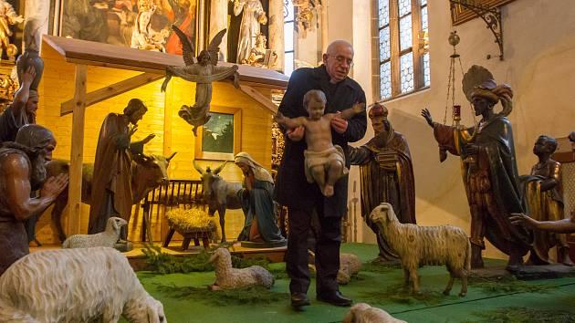 S tradicí betlémů je spjat sv. František z Assisi.