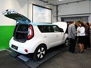 Nová učebna elektromobility ve Střední průmyslové školy dopravní v Plzni-Křimicích. Na snímku ele
