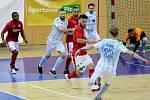 Futsalista Interobalu Plzeň Jaroslav Slavík střílí na branku Teplic.