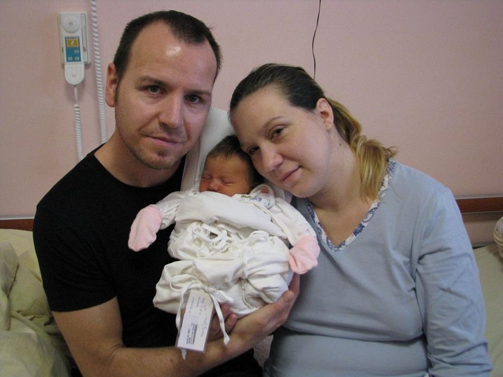 Veronika (3, 06 kg, 51 cm) se narodila 18. 11. V 16:58 ve FN v Plzni. Ze své prvorozené holčičky se radují maminka Miloslava a tatínek Michal Bláhovi ze Stříbra