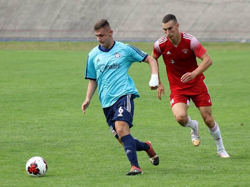 7. kolo FORTUNA divize A: SK Petřín Plzeň (červení) - SK Otava Katovice (modří) 7:0.