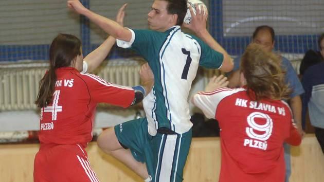 Házenkáři Lokomotivy Plzeň SCM porazili ve včerejším osmifinále Českého poháru Slavii VŠ Plzeň 31:23