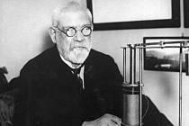 František Křižík ve své pracovně roku 1934.