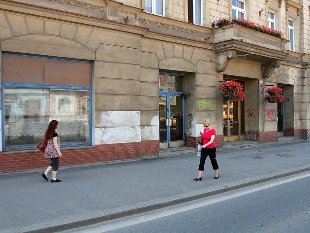 Lahůdky na Klatovské třídě vystřídá prodejní místo PMDP