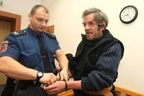 JIŘÍ MACKO stane znovu před senátem Krajského soudu v Plzni.
