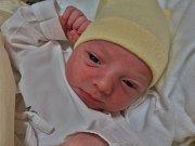 Jáchym Cafourek se narodil 27. listopadu v 17:09 mamince Michaele a tatínkovi Jiřímu z Plas. Po příchodu na svět ve FN Plzeň vážil bráška čtyřletého Matyáška 3200 gramů a měřil 52 cm. Rodiče by poděkovali porodní asistentce, paní Hovorové