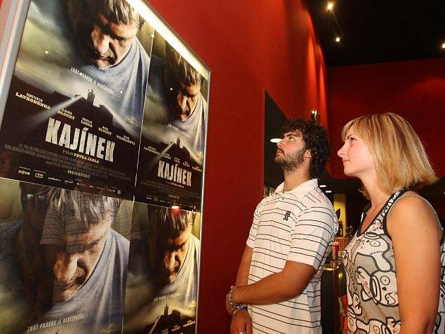 O první projekci filmu Kajínek v Plzni byl zájem
