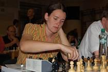 Účastníci mezinárodního šachového turnaje O pohár města Klatov už mají za sebou osm kol