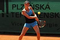 Nasazená jednička turnaje Nina Potocniková se s dvouhrou na Ex Pilsen Wilson Cupu 2015 loučila už ve druhém kole. Včera podlehla Ukrajince Anastasii Zarytske 5:7, 2:6.