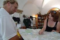 Návštěvníci Plzně a jejího okoli mohou získat turistické informace v infocentru na náměstí Republiky v Plzni