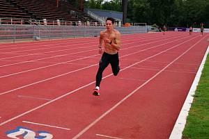 Atlet Filip Ličman na soustředění v Jihoafrické republice nabírá formu na halovou sezonu. Cílem mladého čtvrtkaře je mistrovství Evropy pod širým nebem.