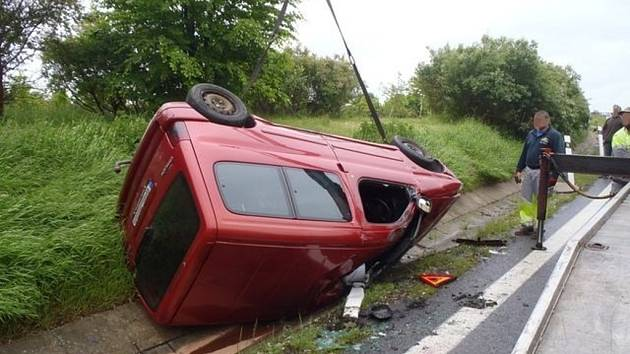 Pětinásobná nehoda u Ejpovic.