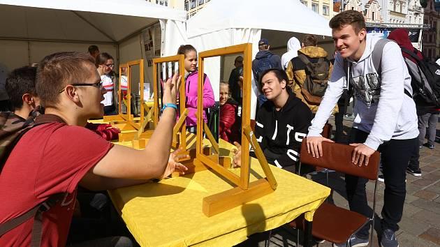 Dny vědy a techniky na náměstí Republiky v Plzni