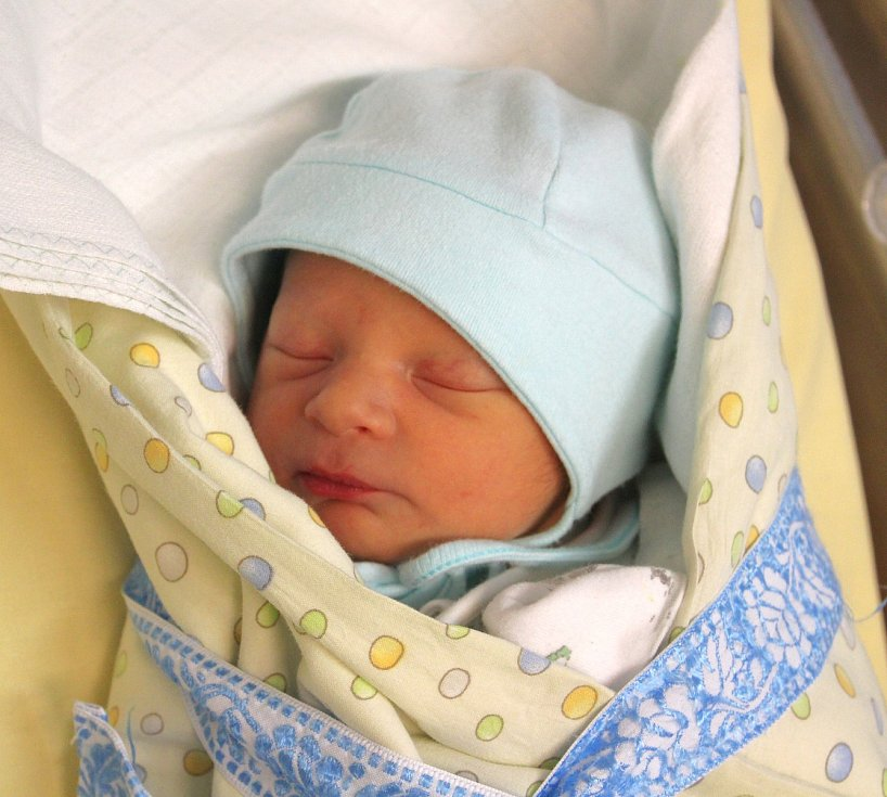 Patrik Brož z Litohlav se narodil v plzeňské porodnici U Mulačů 6. září v 17:20 hodin (2910 g). Maminka Iva věděla, že její prvorozené miminko bude kluk.