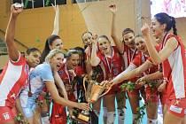 Volejbalistky Prostějova se  po včerejším finále radují ze zisku Českého poháru.